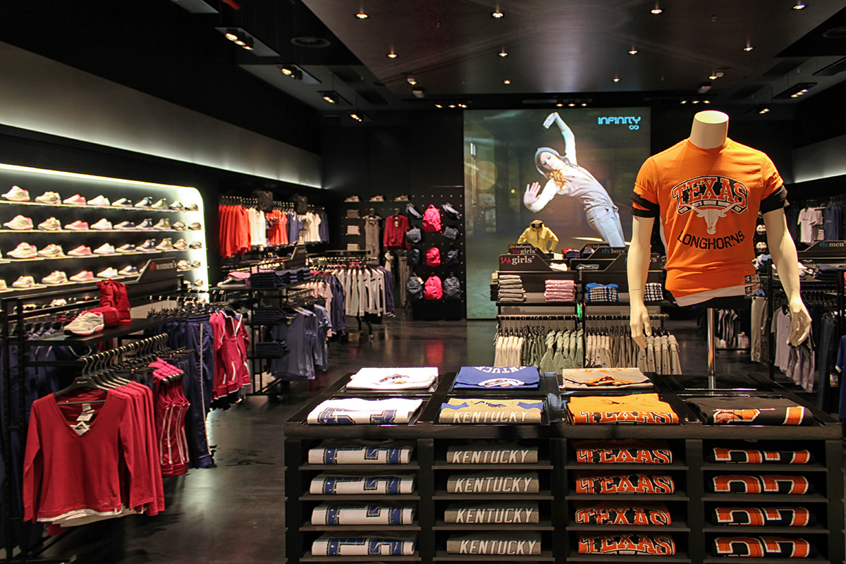 Champion Europe Store, La Spezia, Italy. | Atelier. virtual-evolution