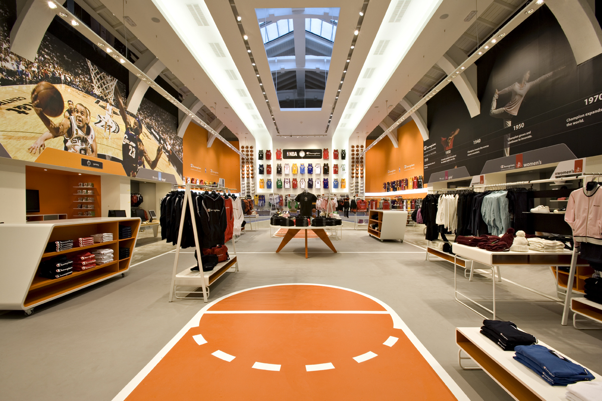 Basketball central flagship store milan champion europe for Basketball store milano