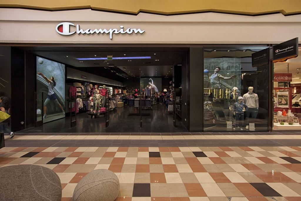 Champion Europe Store, La Spezia, Italy. | Atelier. virtual-evolution